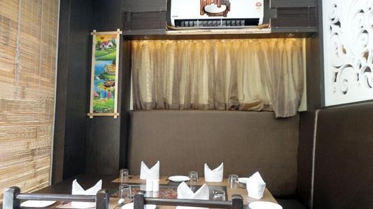 Jors's Restaurant, Navrangpura