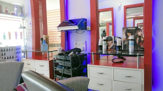 The Beauty Lounge, Gurukul