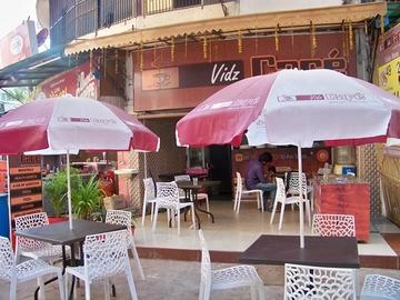 Vidz Café, Drive In Road