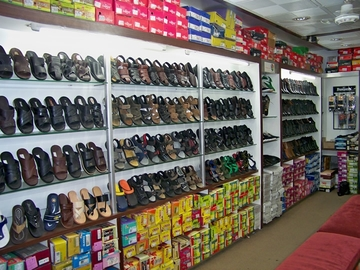 Rajan Shoes, Paldi