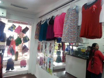 Bollywood-Ladies Western & Kids Wear