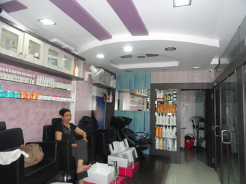 Urvashi Beauty Care, Gurukul
