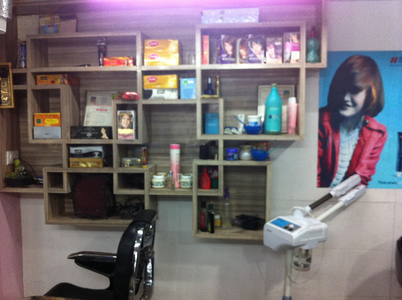 Nisha-Hair & Beauty Unisex Salon, Paldi