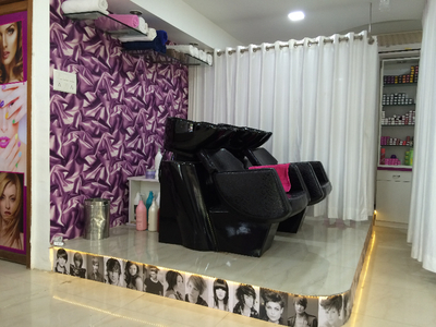 16 Image-The Family Salon
