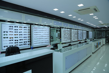 Palak Optics